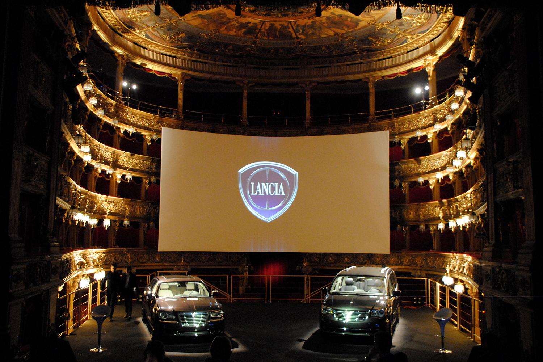 Illuminazione per eventi presentazione | Eventi Lancia Carignano 2011 Torino