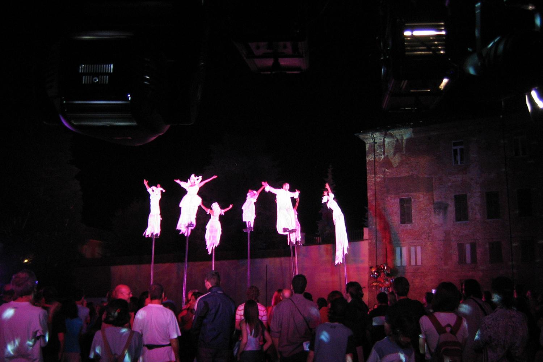 Illuminazione spettacoli | artisti DI STRADA