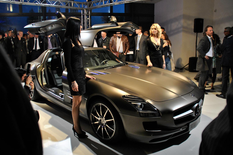 Illuminazione concessionari auto e moto | showroom mercedes padova